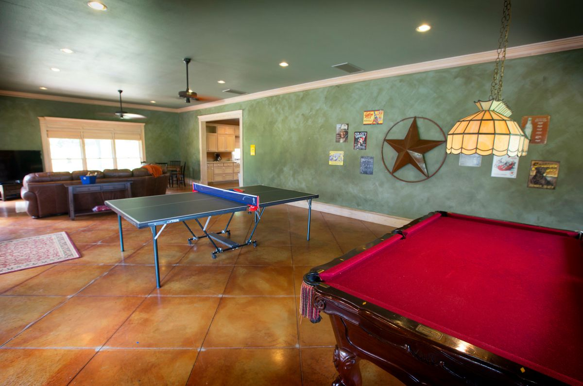 Sanders Hitch Traditional Home Photo Video Shoot Location Interior Rooms 31.jpg