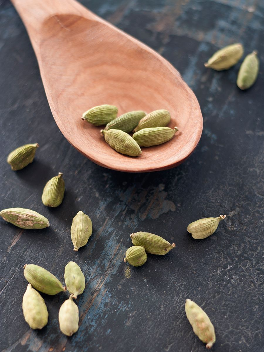 1fht_cardamom_pods_web