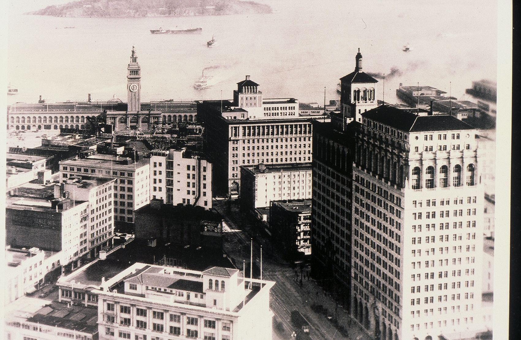 AERIAL VIEW abv   MARKET STREET  , San Francisco   , loooking EAST towards FERRY BLDG