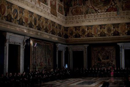 1cm_Italy_gov_12_20_10_0437FW.jpg