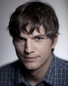 1cm_Ashton_Kutcher_3_10_0021fw.jpg