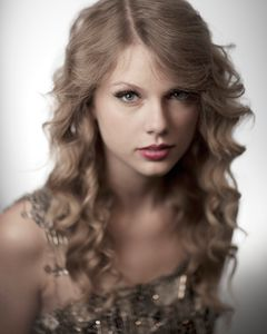 1cm_Taylor_Swift_03_26_10_00124x5FW.jpg