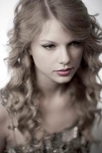 1cm_Taylor_Swift_03_26_10_0003_copy.jpg
