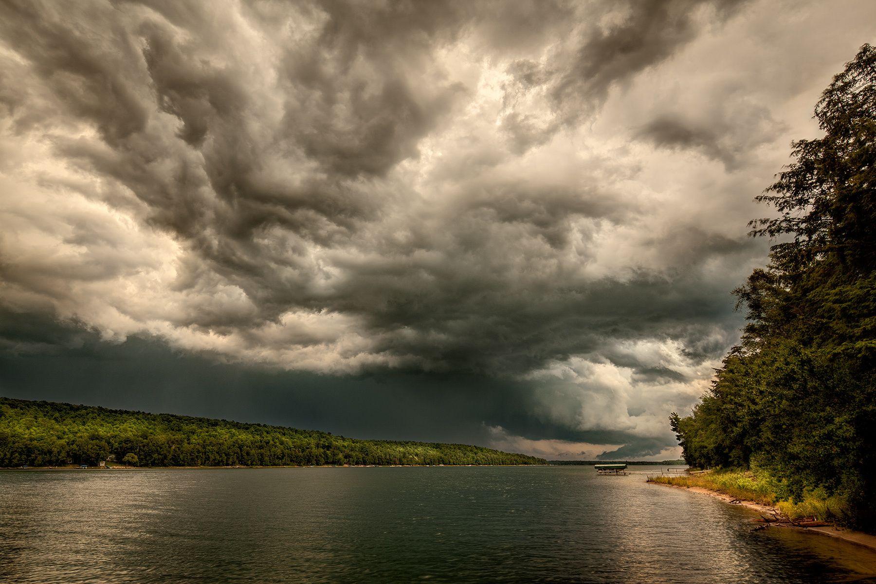 1r9081_clouds_ll.jpg