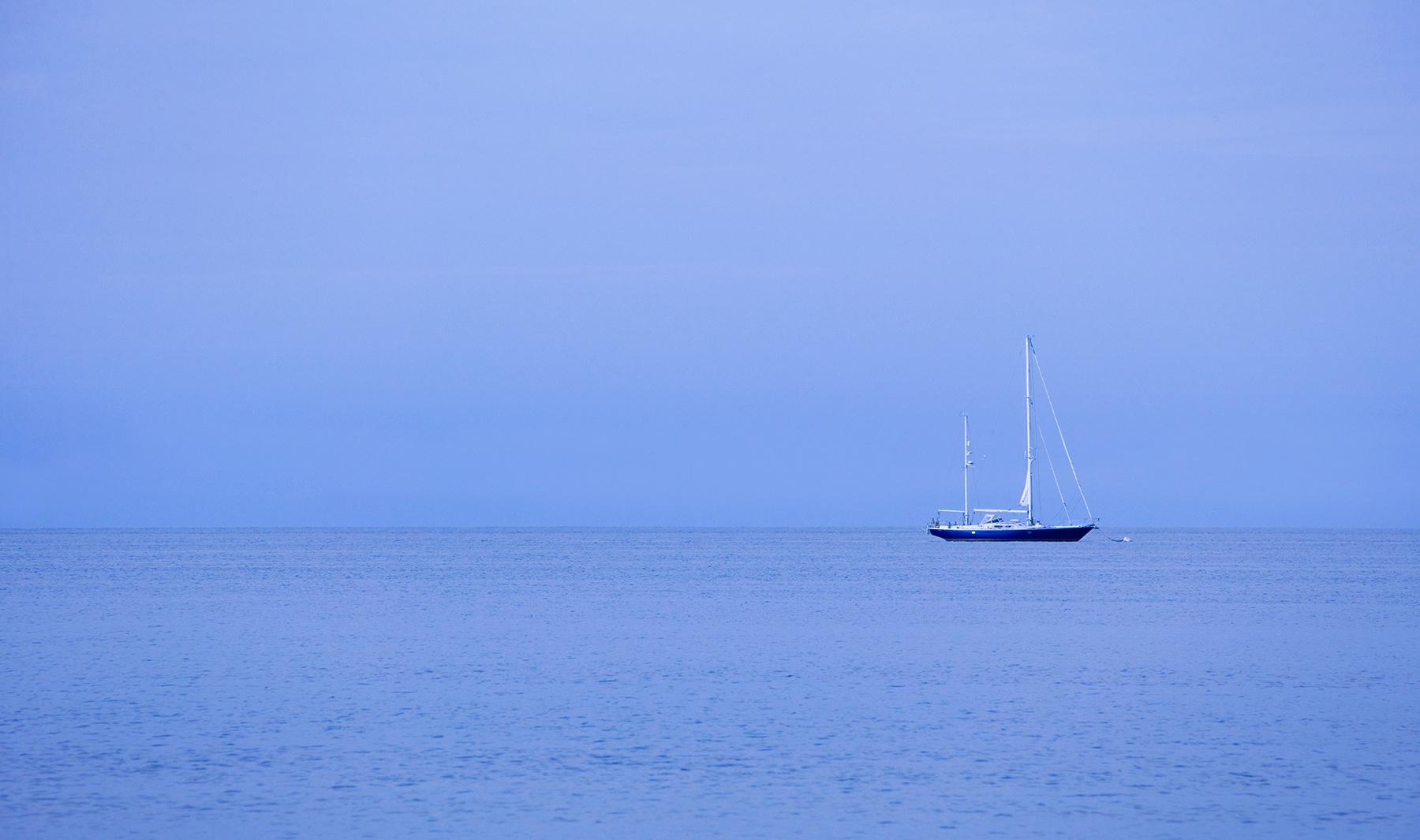 1r4582_boat_blue_door_co.jpg