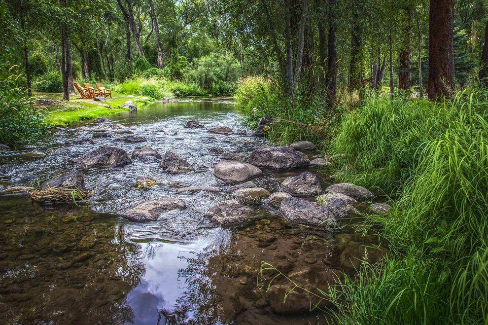 country-lifestyle-Dallas_Colorado-stream