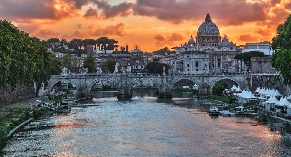 Rome's river Tiber.jpg
