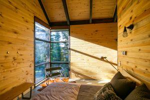 Thelma Hut 26.jpg