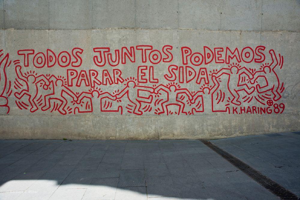 Miner_Spain_AIDS_Livebooks.jpg