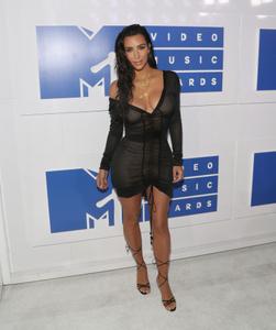 Kim Kardashian at the 2016 MTV Video Awards (Photo by Bennett Raglin)