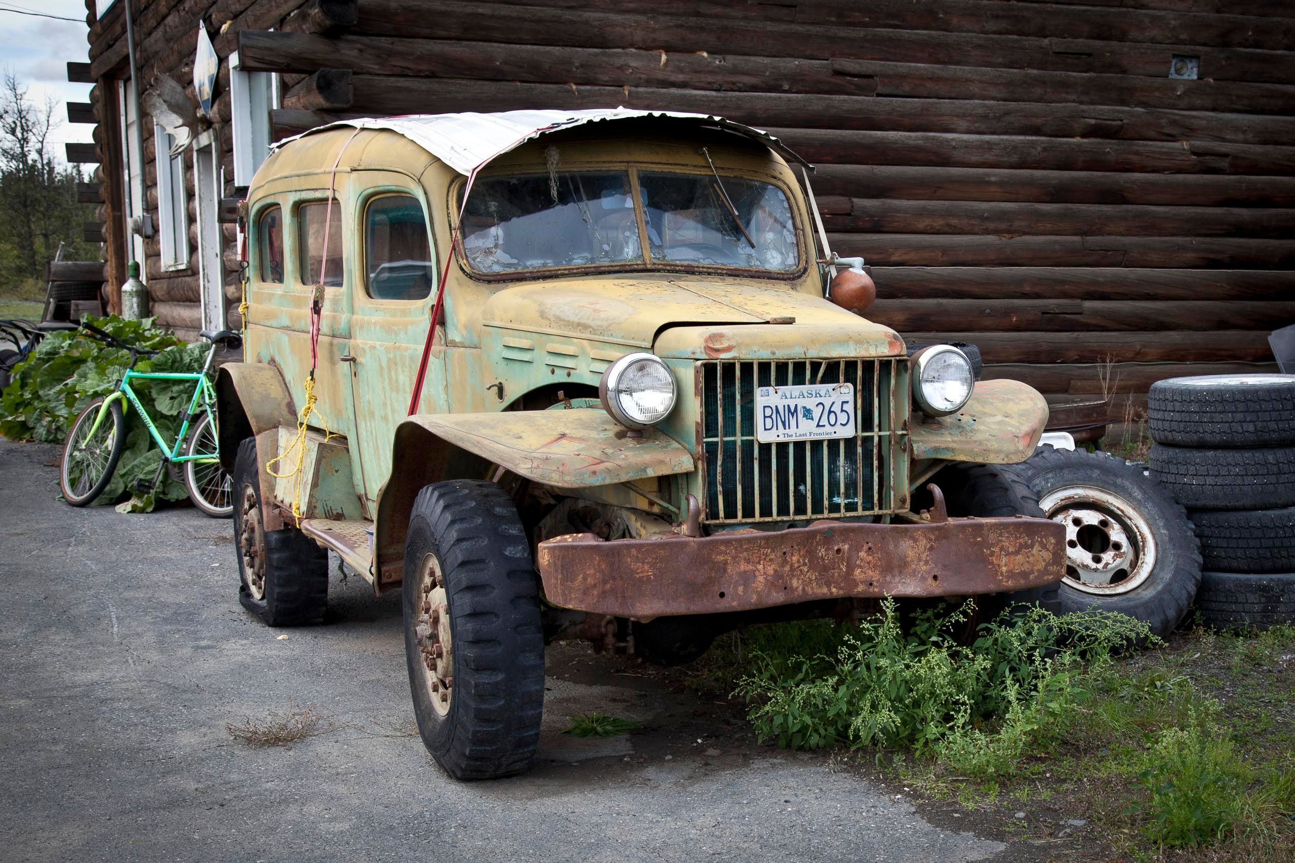 alaksa_old_car.jpg