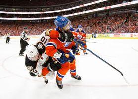 700039449CM026_Ducks_Oilers.JPG