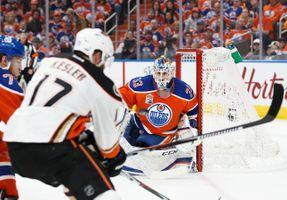 700039449CM039_Ducks_Oilers.JPG