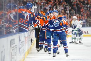 672876439CM024_Canucks_Oilers.JPG
