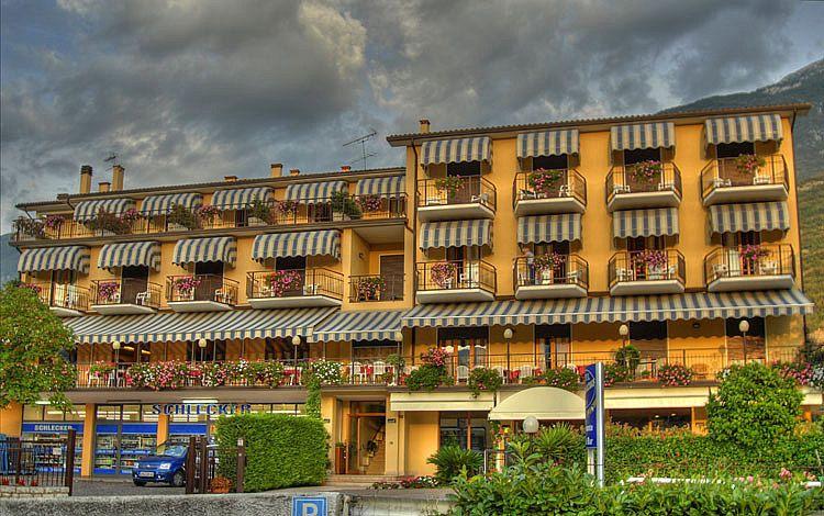 1hotel_benacus.jpg