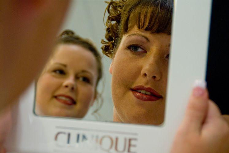 1jen_in_the_mirror.jpg