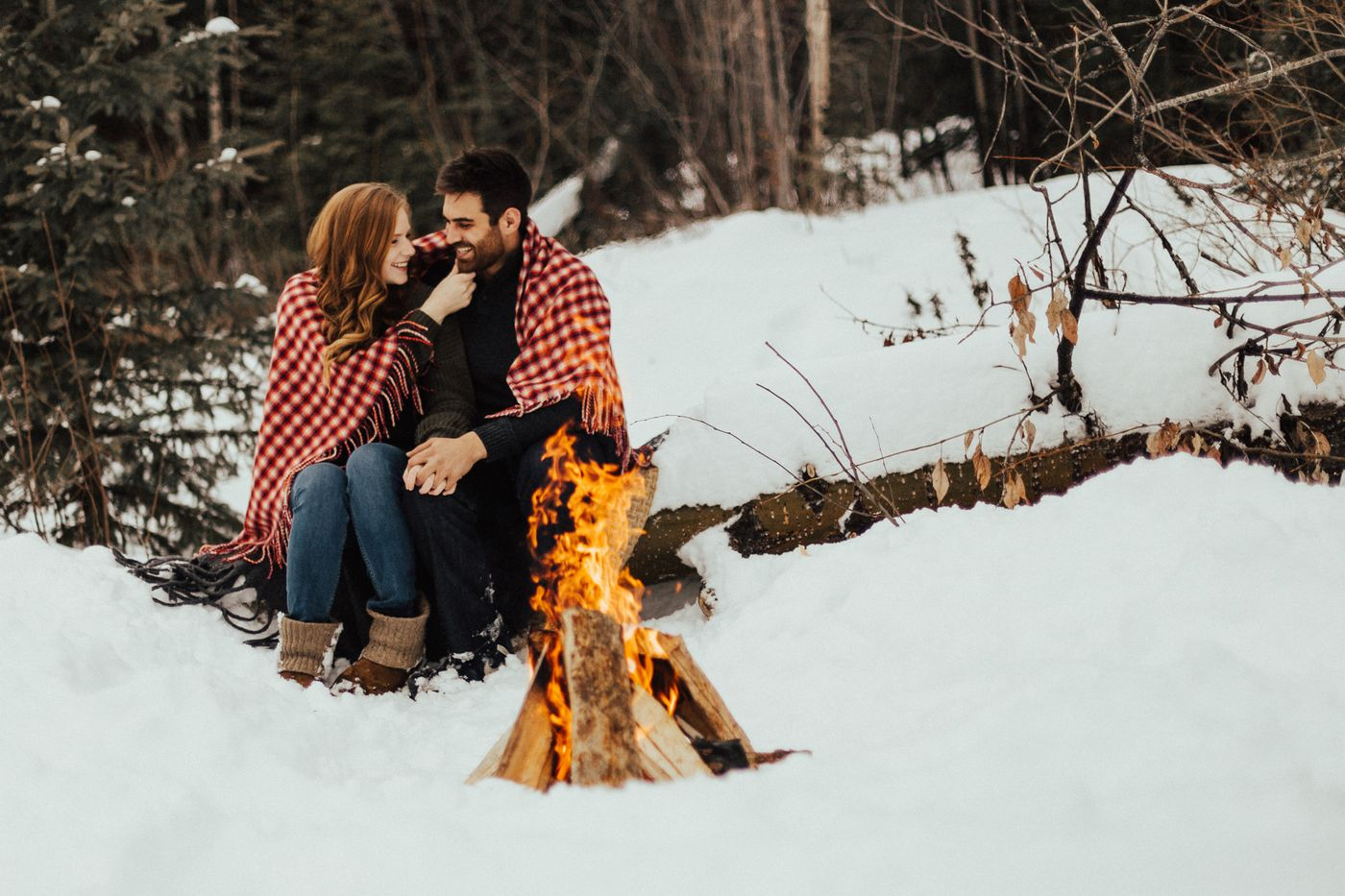 PrinceGeorgeWeddingPhotographer_BonfireSession_EngagementPhotographer-3.jpg