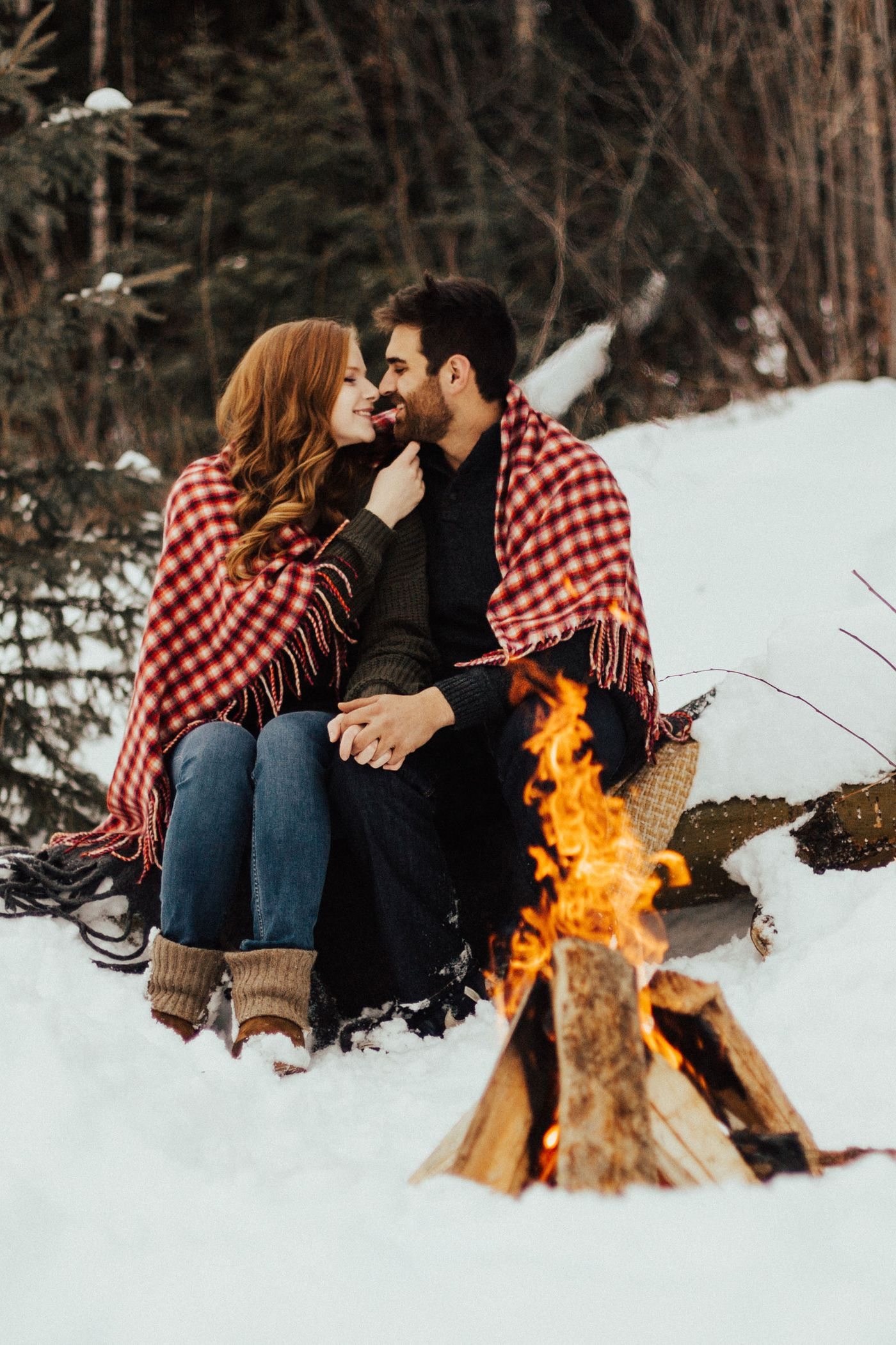 PrinceGeorgeWeddingPhotographer_BonfireSession_EngagementPhotographer-2.jpg