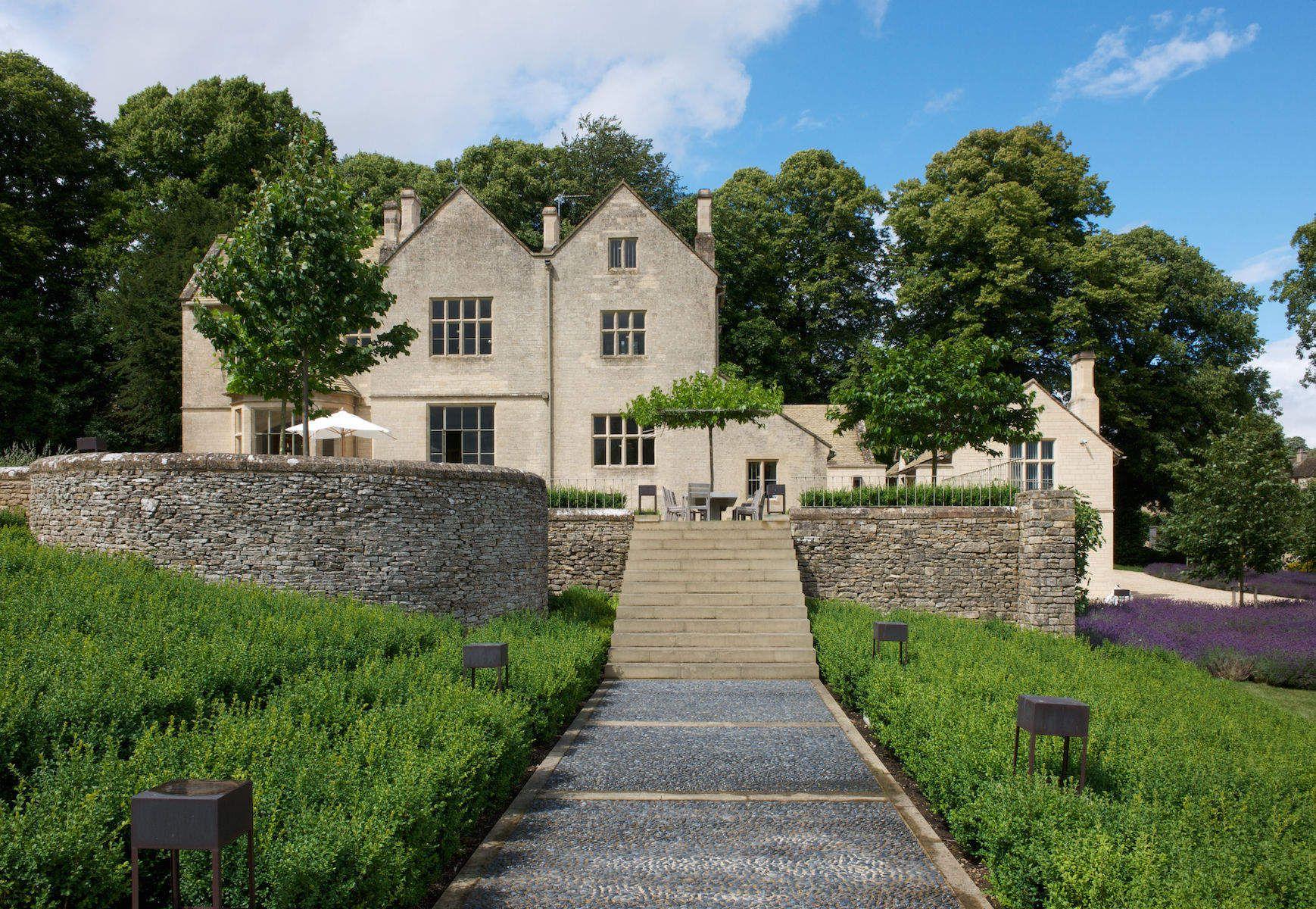A Jeweler's Residence, UK
