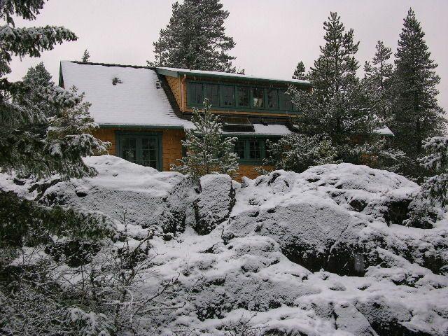 Quadra Island Cabin
