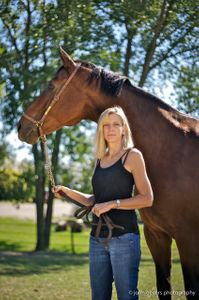 Vivienne & Reno Tate horse 3.jpg