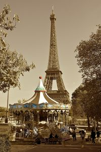 Le carrousel • Paris