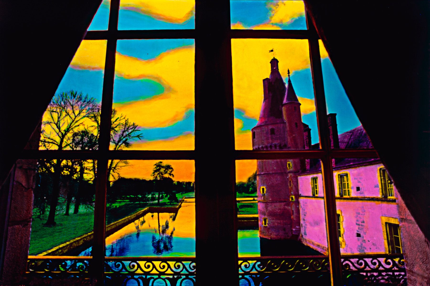 8_0_71_1f_gottlieb_chateau_window.jpg