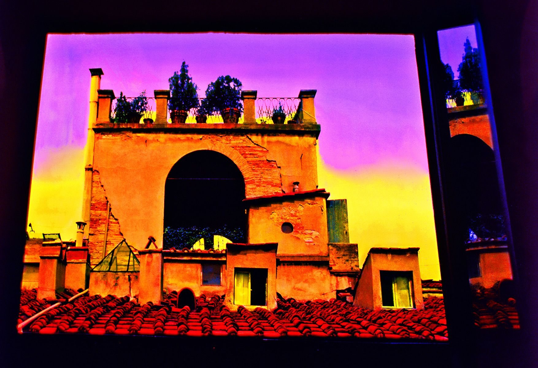 24_0_113_1i_gottlieb_firenze_window_roof_top.jpg