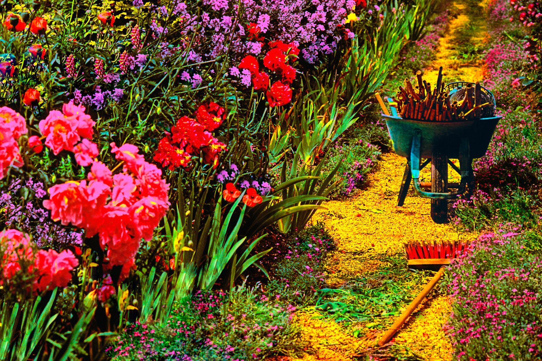 14_0_172_1m_gottlieb_garden_path.jpg