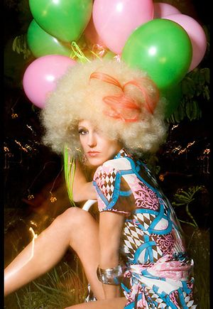 9_1_34_1amy_discoballoons.jpg