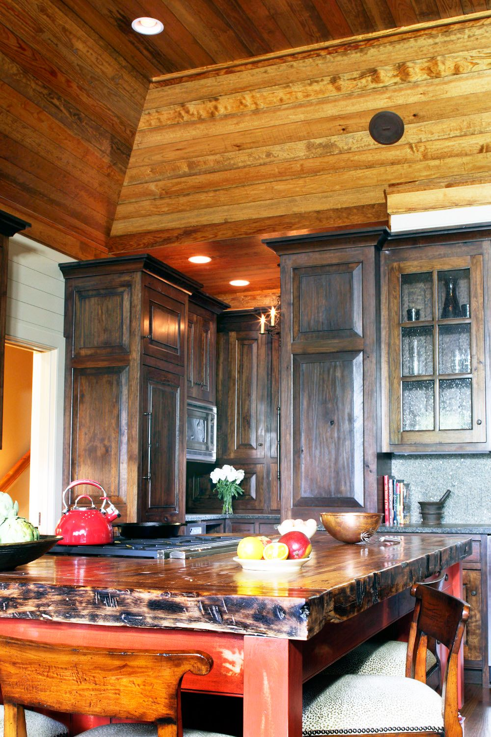 6 Kitchen walls ceilings and island 25.jpg