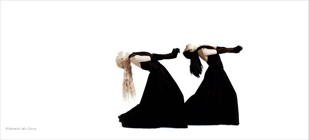 6_1zzdancers_in_black_.jpg