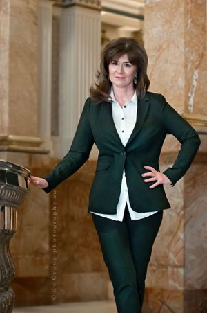 Modern Executive Woman Portrait_photography.jpg