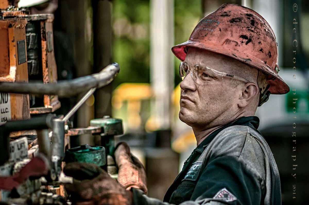21_1oil_roughneck_photography.jpg