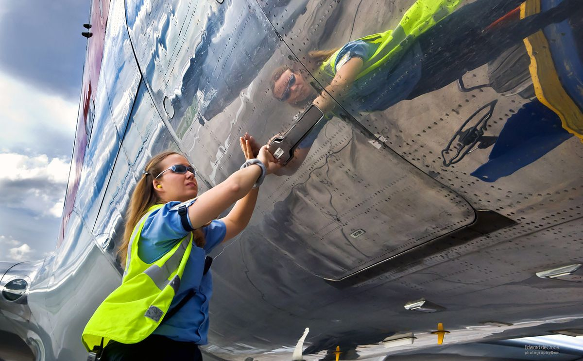 Vail-Airport-Worker-Commercial-Photography-Colorado