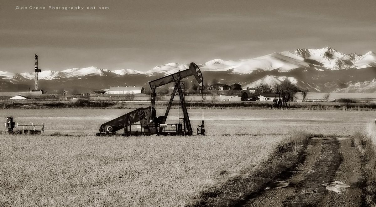 Oil fields in Colorado D-J basin BW