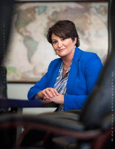 Executive Female Photography© DeCroce.jpg