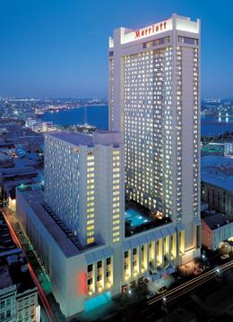 Hotels_Resorts_01.jpg
