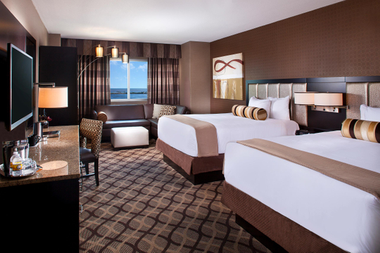 Hotels_Resorts_09.jpg