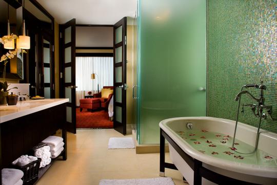Hotels_Resorts_14.jpg