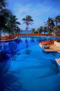 Hotels_Resorts_38.jpg
