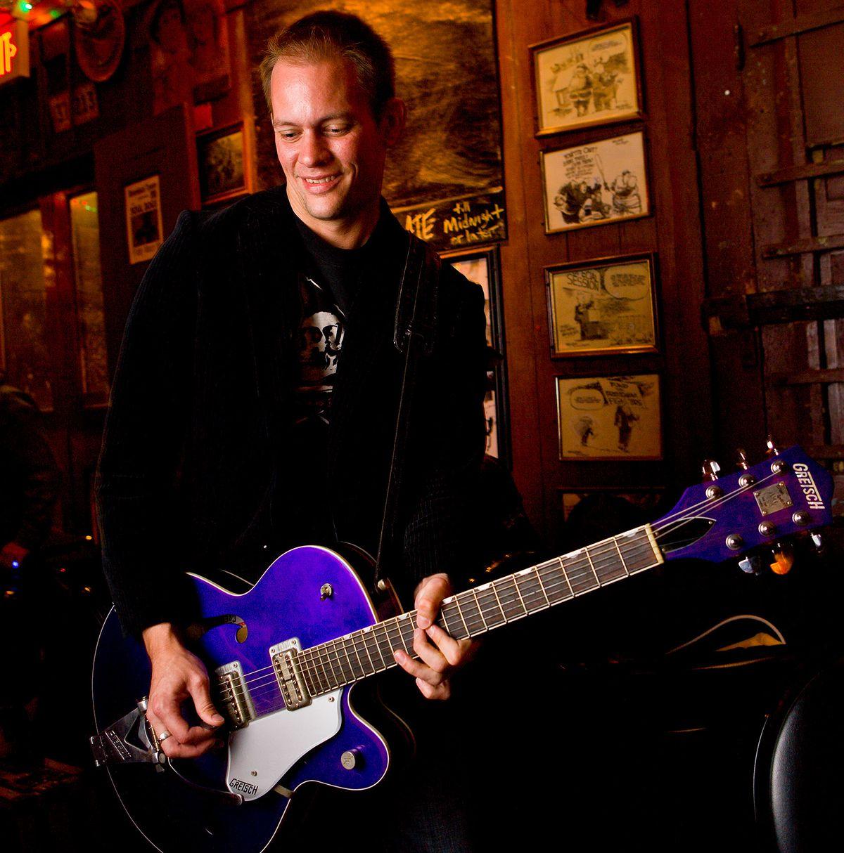Guitar_18.jpg