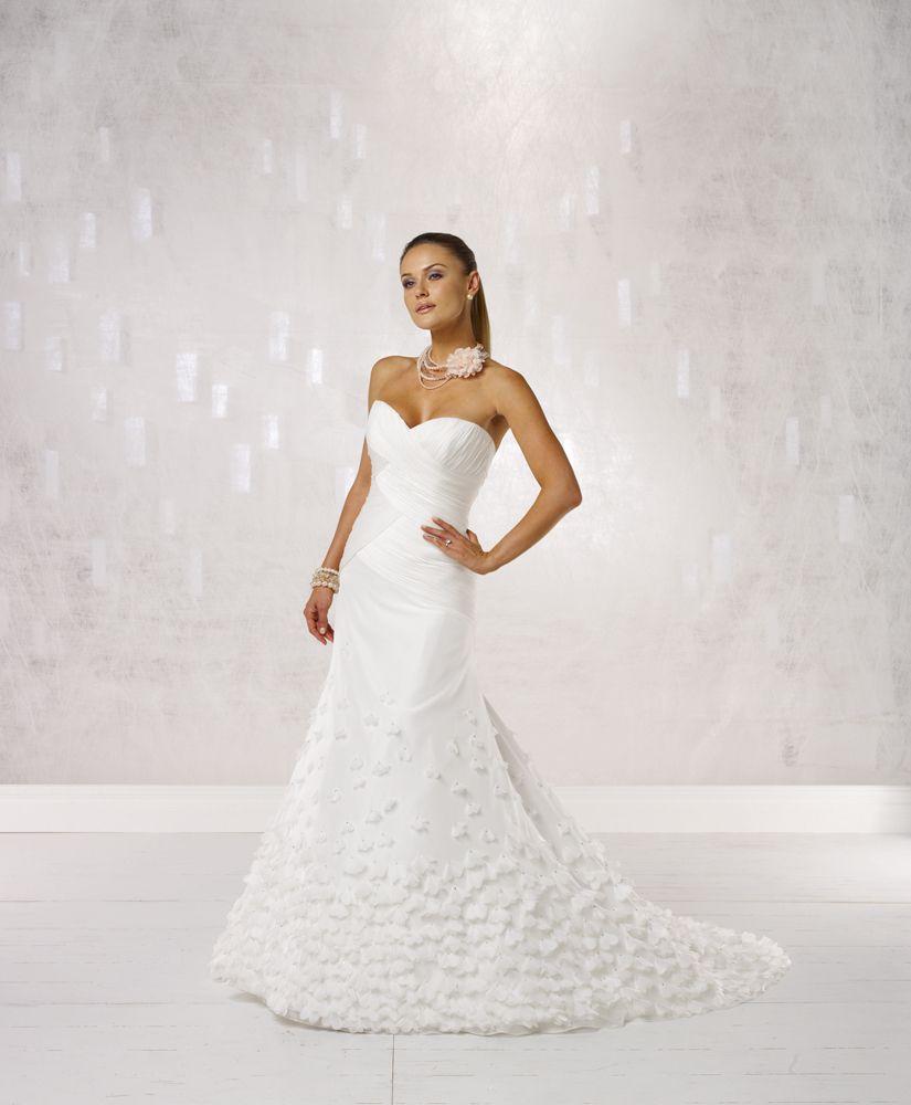 Kathy Ireland Bridal For Mon Cheri