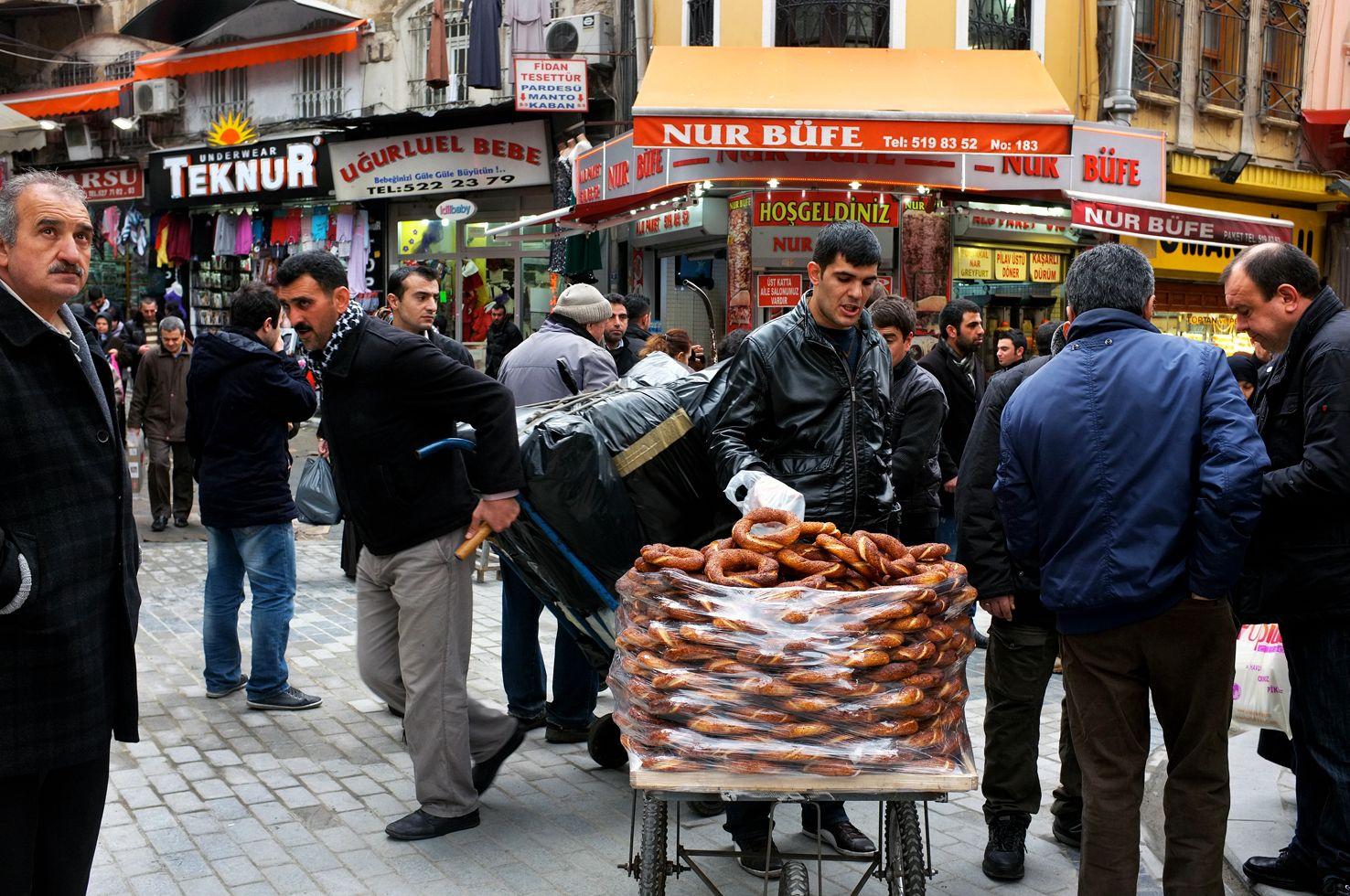 11-selling_bread_dscf7090