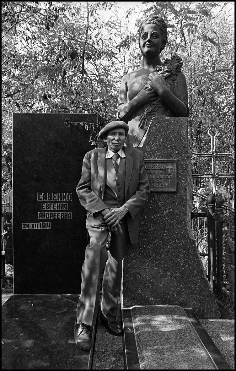 1the_sculptor_tashkent_1992_f110_p5