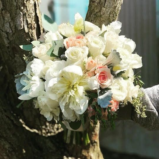 War Memorial, Bridal Bouquet