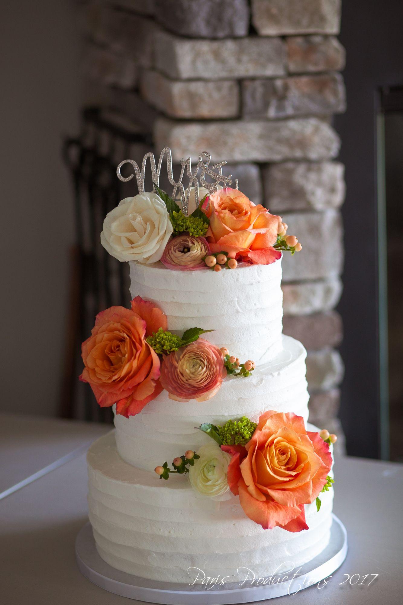 Rustic and Romantic Wedding Cake