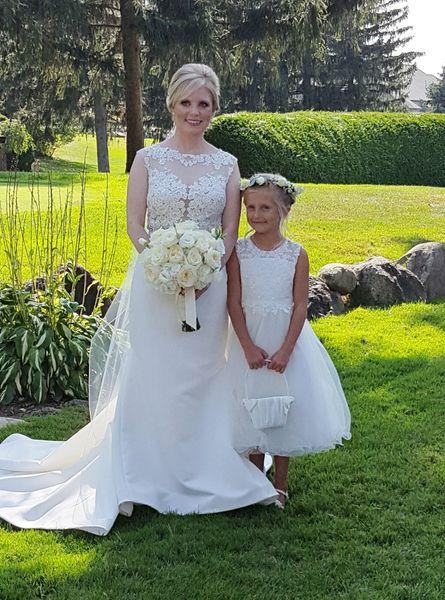 Bride and Flower Girl, Pine Knob