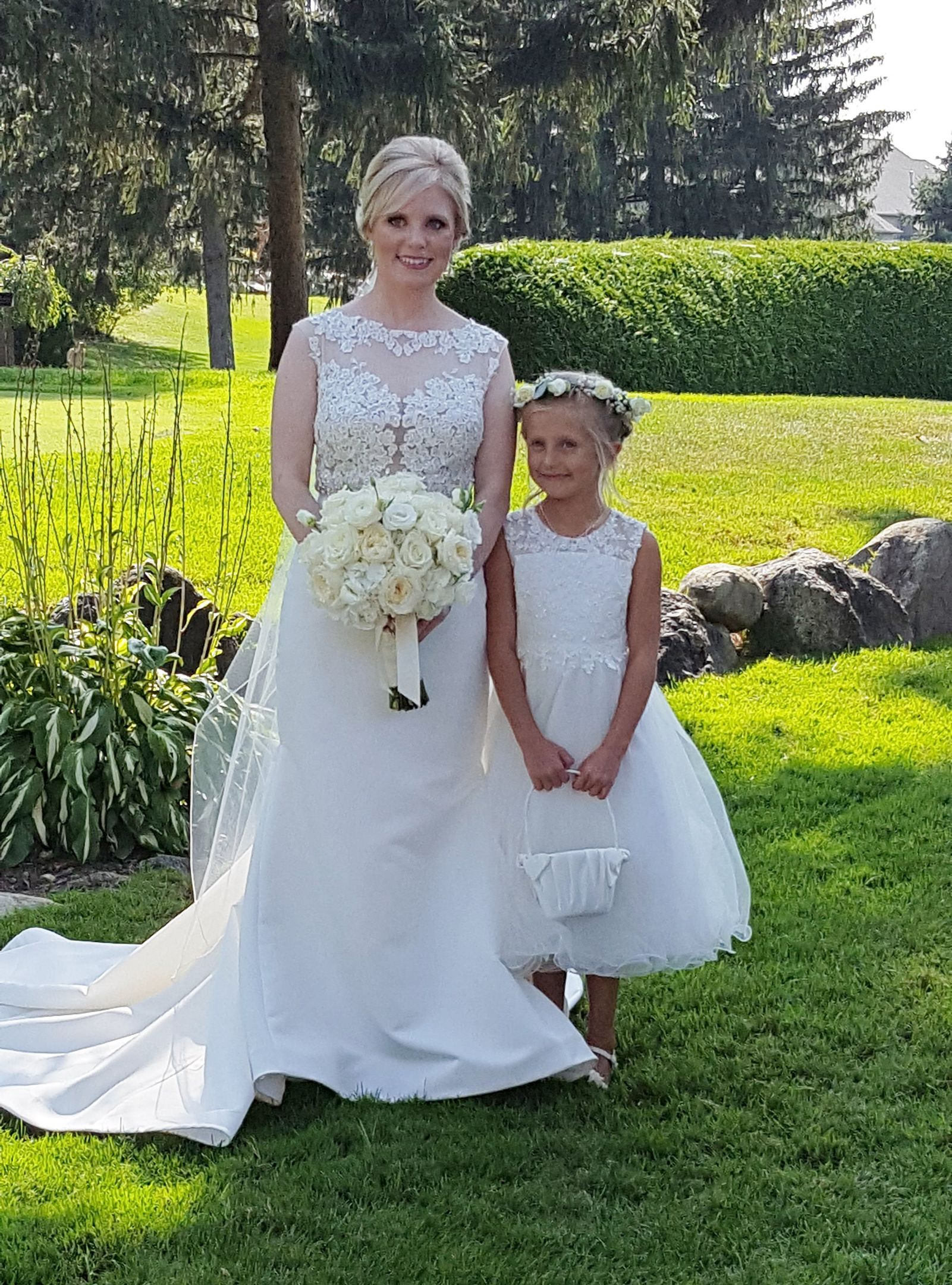 Bride and Flower Girl, Pine Knob
