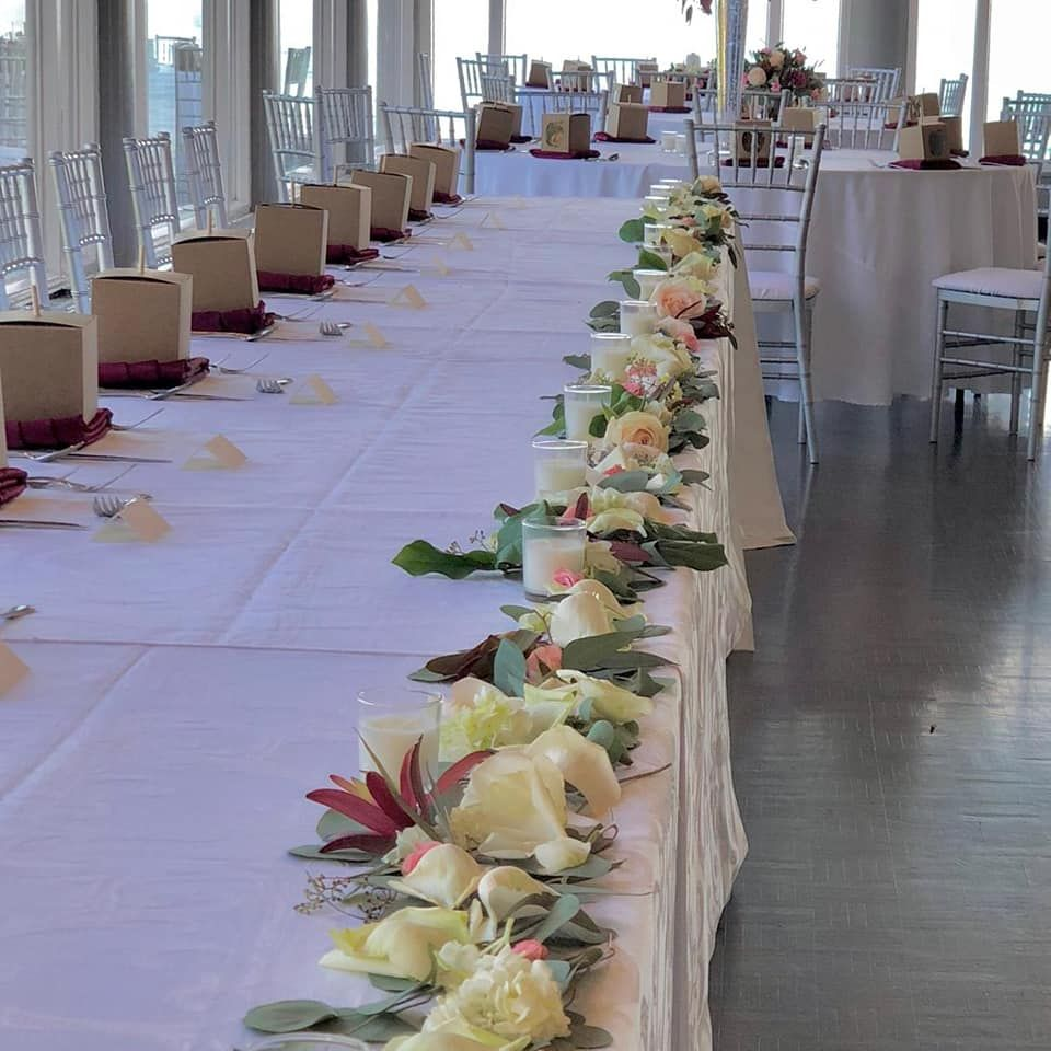 Bridal Party table at Grosse Pointe War Memorial